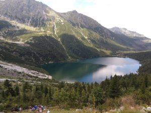 Morskie Oko – najpopularniejsze miejsce w polskich Tatrach. Opis szlaku, atrakcje turystyczne, wycieczka nad Morskie Oko.