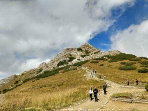 Giewont, wycieczka na Śpiącego Rycerza. Najbardziej popularny cel wycieczek w Tatrach Zachodnich. Opis szlaków, ciekawe miejsca, porady.